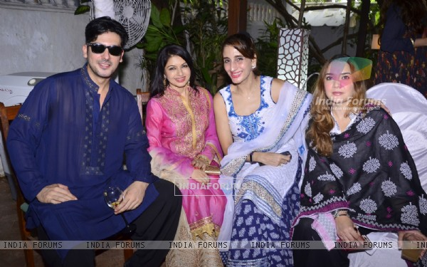 Farah Khan Ali, Bhagyashree and Zayed Khan at Akbar Khan's Get together party!