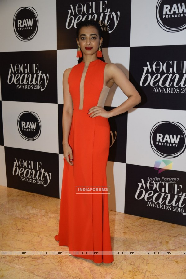 Radhika Apte at Vogue Beauty Awards 2016