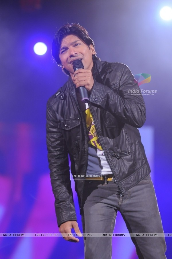 Shaan in the show Music Ka Maha Muqqabla
