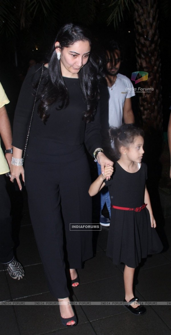Wife Manyata Dutt with Daughter Iqra Dutt at the Birthday Bash of Sanjay Dutt!