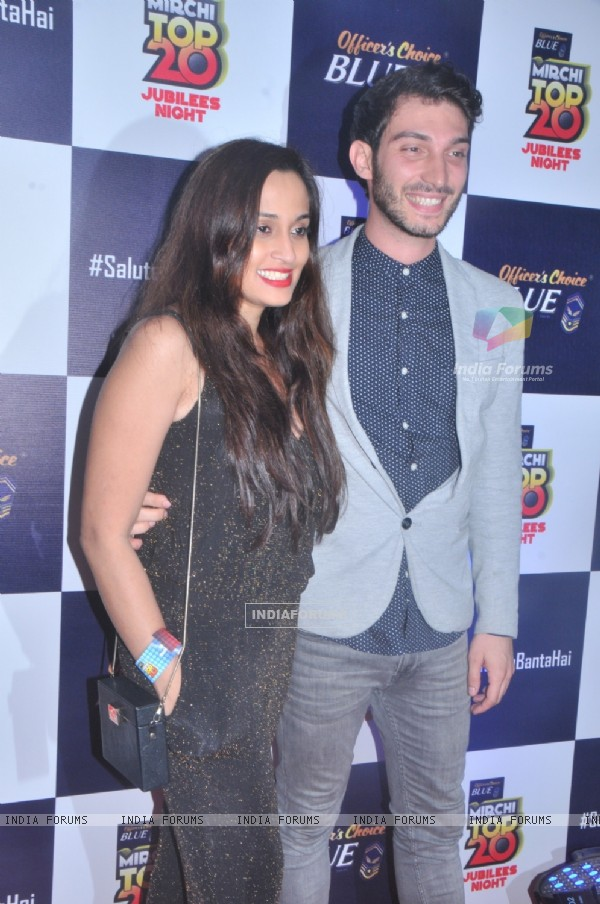 Shweta Pandit with his Fiance at Mirchi Jubilee Nights