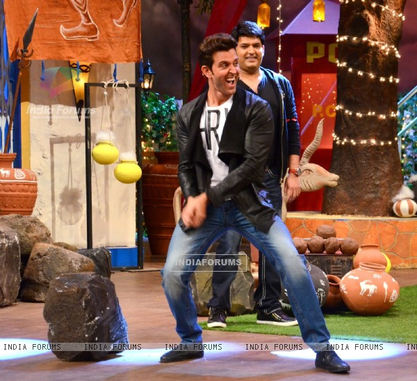 Hrithik Roshan and Kapil Sharma Promotes 'Mohenjo Daro' on sets of The Kapil Sharma Show