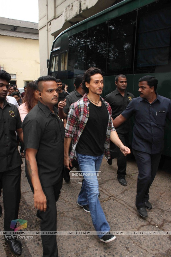 Tiger Shroff snapped post leaving The Voice Kids show