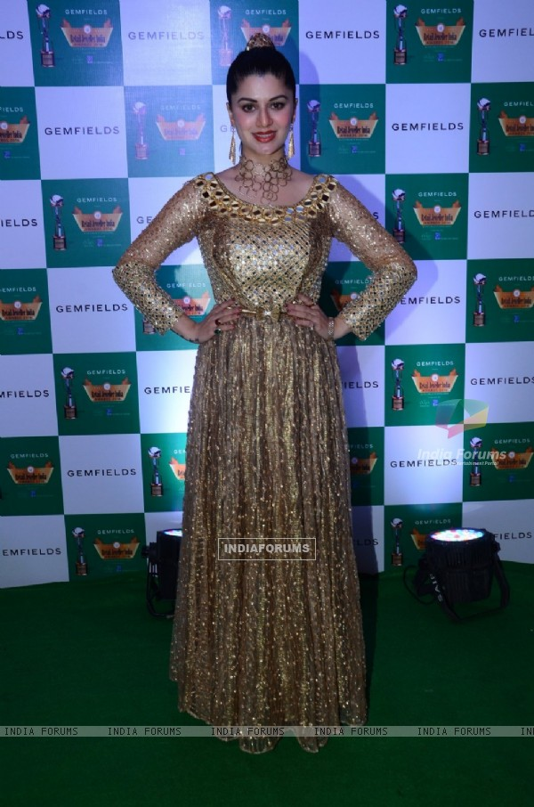 Kainaat Arora at 12th Retail Jeweller India Awards 2016
