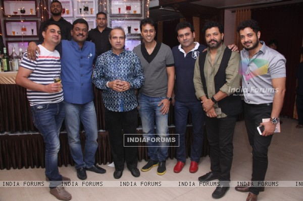 Salim Merchant with guests at Suresh Wadkar's Birthday Bash!
