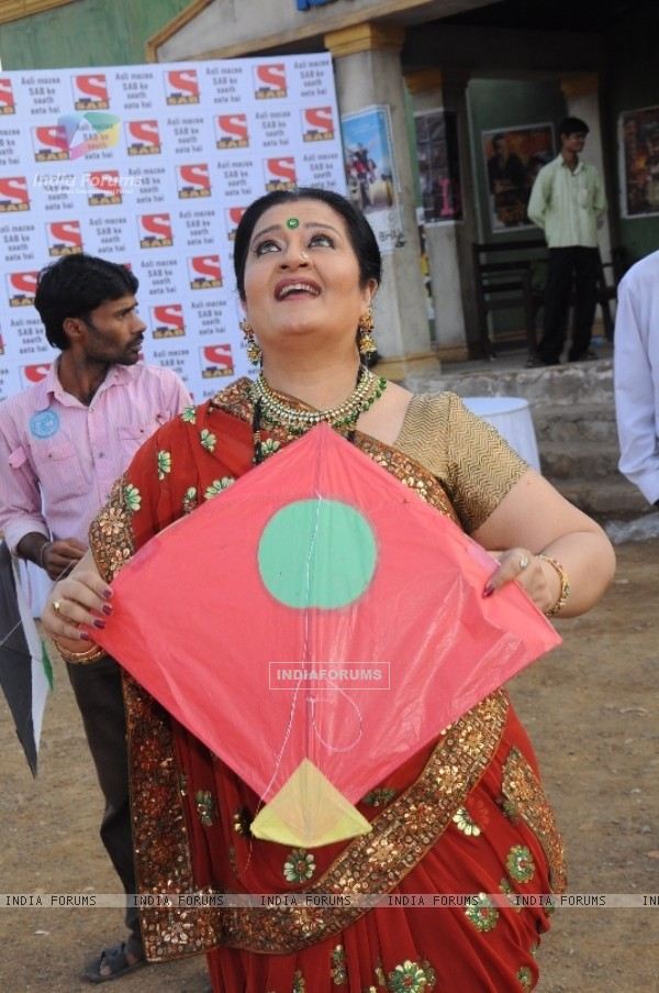 Apara Mehta flying kite
