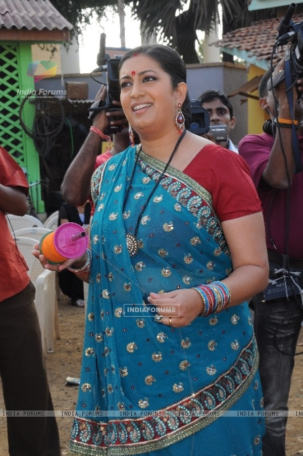 Smriti Irani flying kite