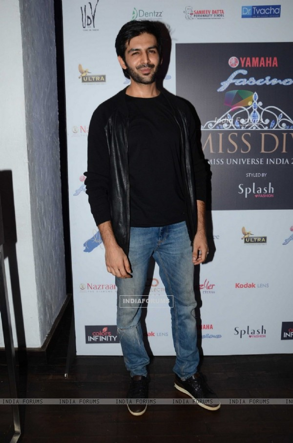 Kartik Aaryan at Launch of Yamaha Fascino Miss Diva 2016