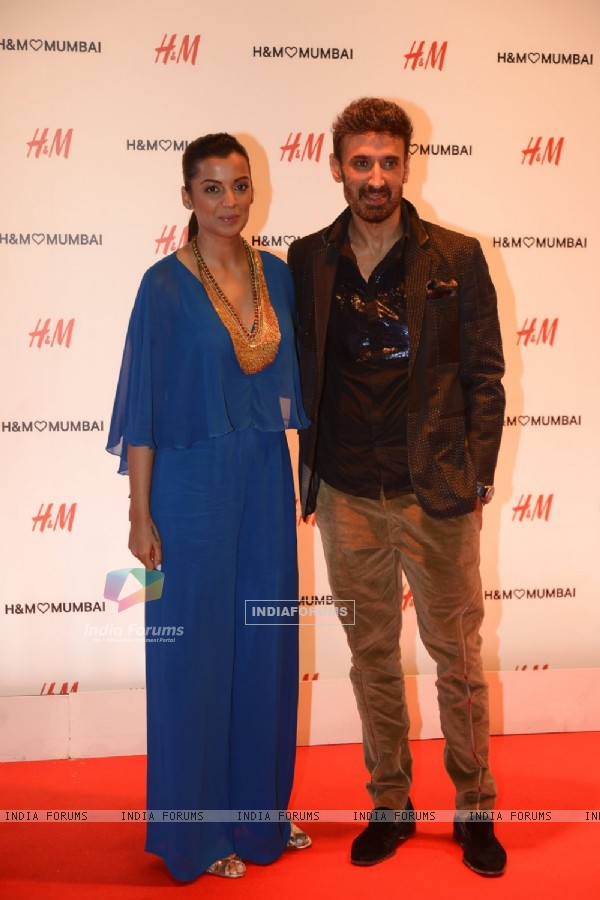 Rahul Dev and Mugdha Godse at Launch of Hennes and Mauritz store in Mumbai