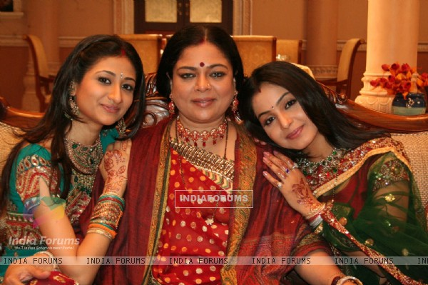 Preeti with snehalata and Summi