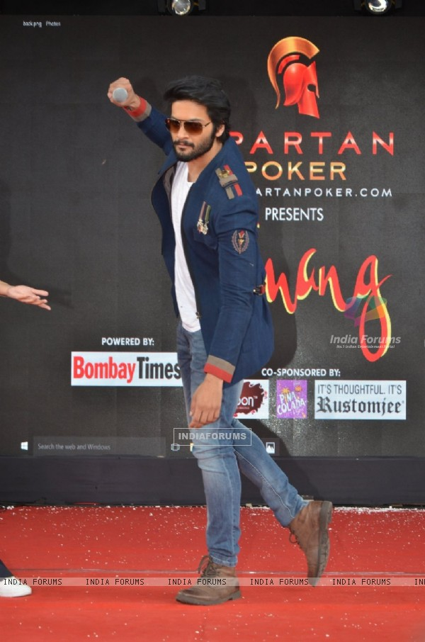 Ali Fazal promotes 'Happy Bhag Jayegi' at Umang Fest at NM College