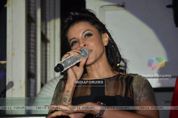 Manasi Scott sings at her Album Launch