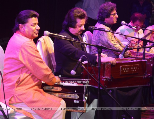 Pankaj Udhas, Anup Jalota and Talat Aziz at 'Friendship Gazal Concert'