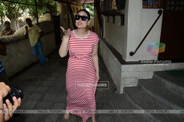 Kareena Kapoor snapped at Shankar Mahadevan's recording studio