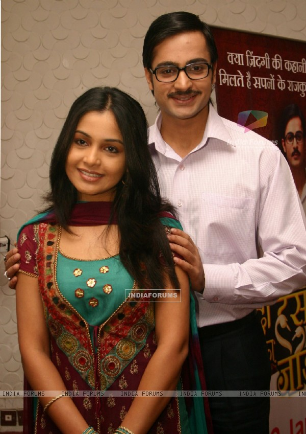 Still image of Shubhangi Aatre and Shaleen Bhanot