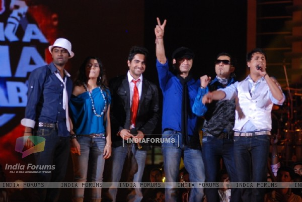 Mohit Chauhan -Captain with his team