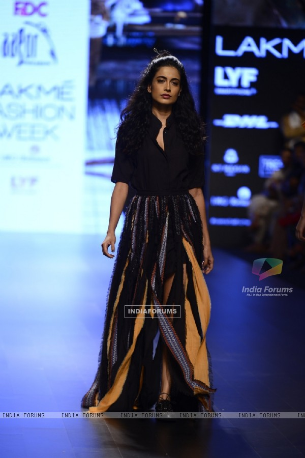 Sarah Jane Dias at Lakme Fashion Week Winter Festive 2016- Day 2