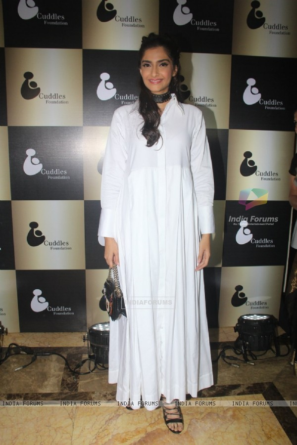 Sonam Kapoor at Cuddle Foundation Event