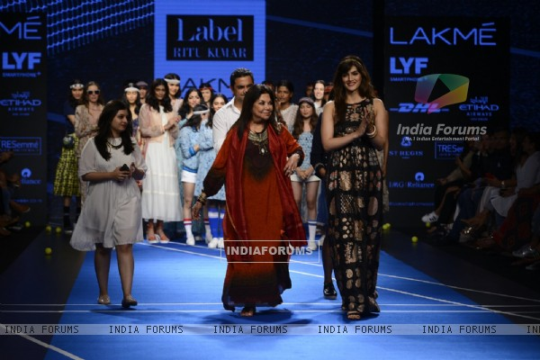 Day 4 - Kriti Sanon walks for Ritu Kumar at Lakme Fashion Show 2016