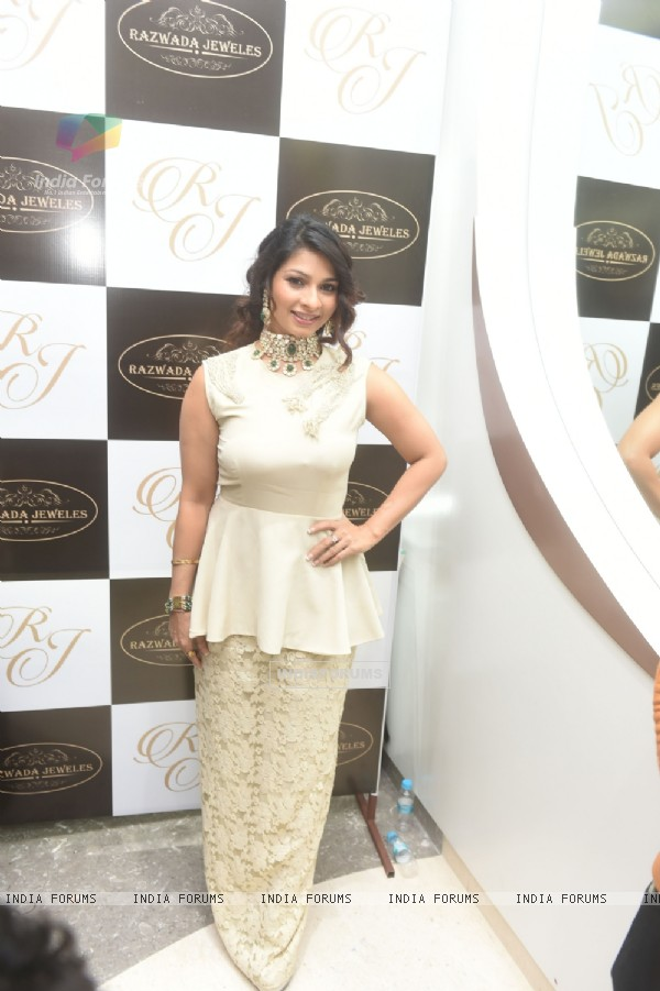 Tanisha Mukherji at Star Studded Store Launch of Razwada Jewels