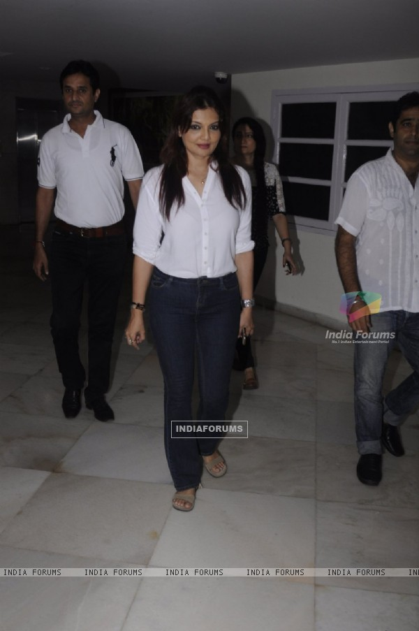 Deepshikha at Prayer meet of Krushna Abhishek's father!