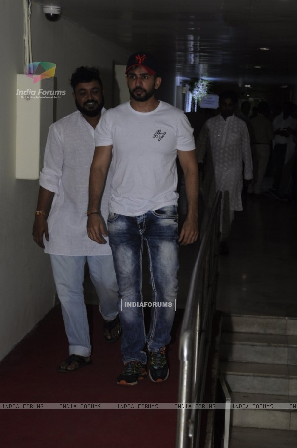 Jay Bhanushali at Prayer meet of Krushna Abhishek's father!