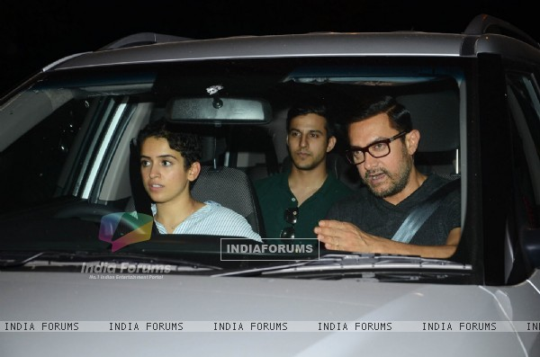 Aamir Khan Snapped with his Dangal Daughters at Hakkasan!