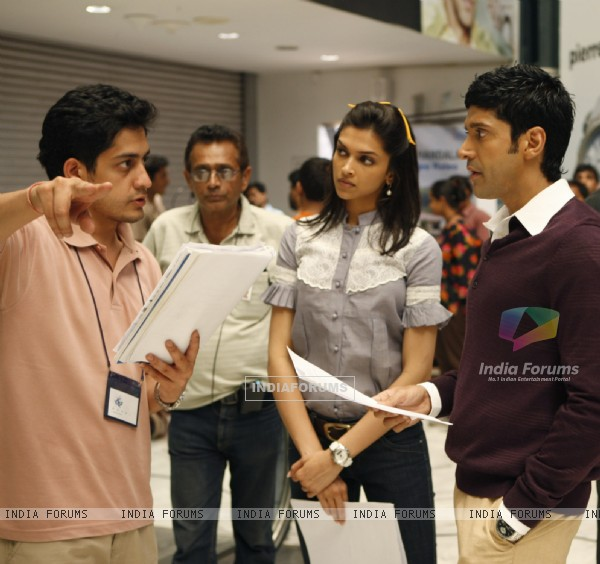 Still image from the movie Karthik Calling Karthik