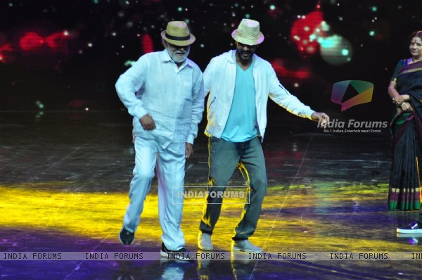Prabhu Dheva dances with Mugur Sundar at Promotion of film 'Tutak Tutak Titiya' on Dance Plus 2