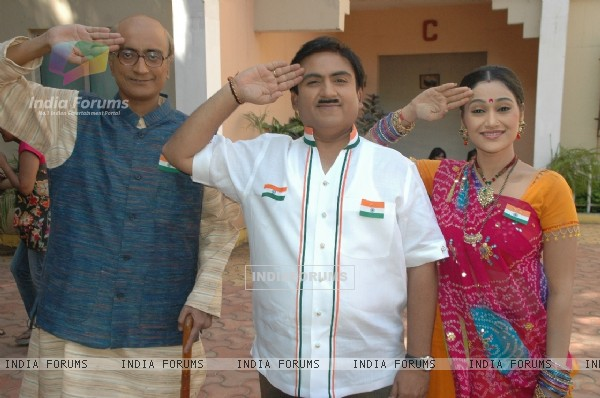 Amit Bhatt, Dilip Joshi and Disha Vakani celebrate Republic day