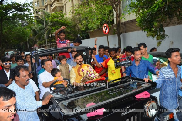 Suresh Oberoi, Vivek Oberoi and Family Bid Farewell to 'Ganpati Bappa'