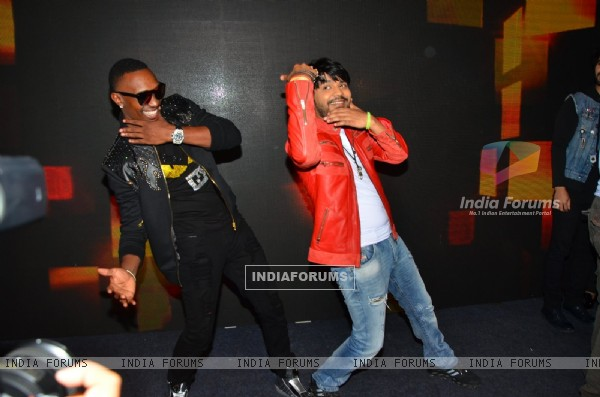 Dwayne Bravo and Ankit Tiwari at Media Interaction of the film 'Tum Bin 2'