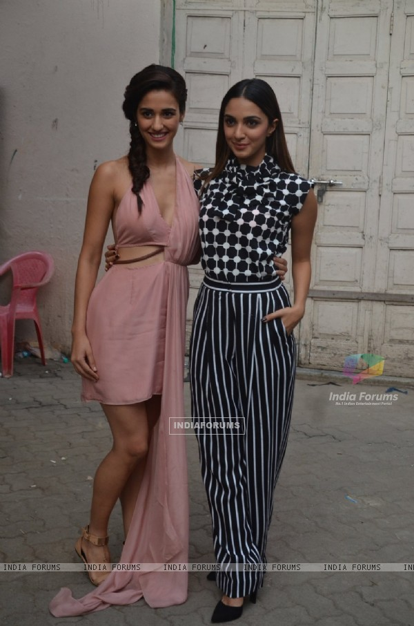 Disha Patani and Kiara Advani at Promotion of 'M.S. Dhoni: The Untold Story'