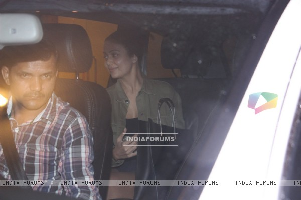 Amrita Arora snapped at Kareena's house