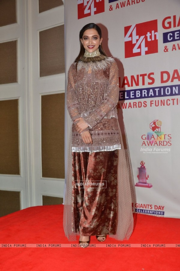 Deepika Padukone at Giants International Awards 2016