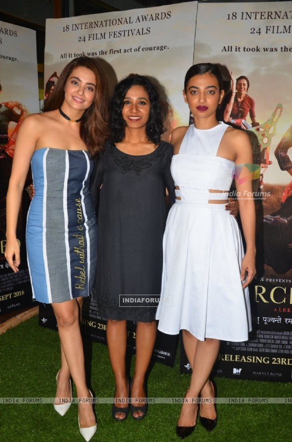 Surveen Chawla, Tannishtha Chatterjee and Radhika Apte at Press meet of film 'Parched'