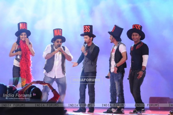 Shankar Mahadevan with his team