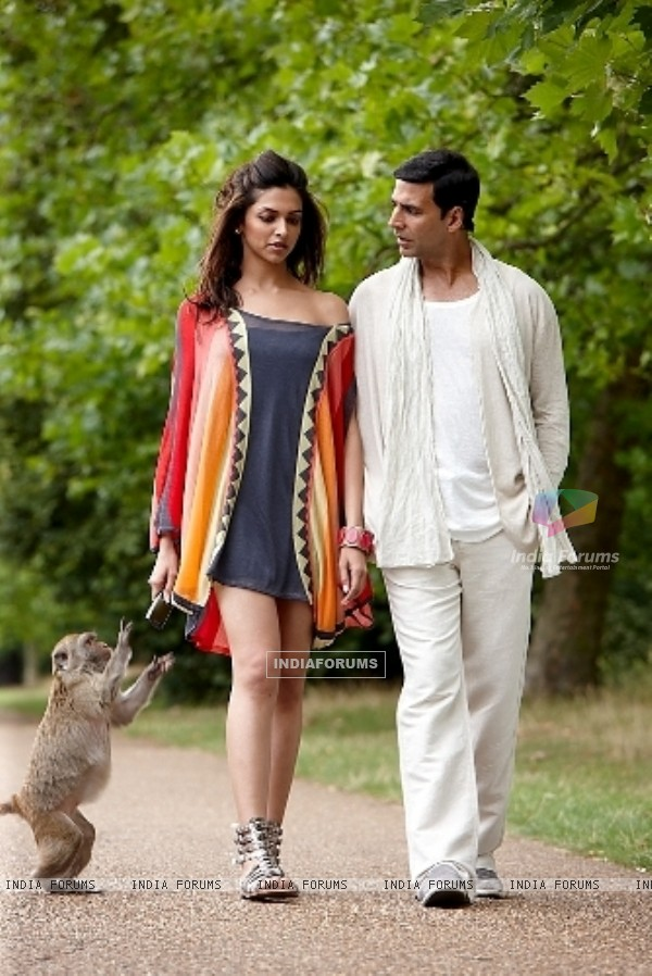 Akshay Kumar and Deepika in Housefull movie (57572)