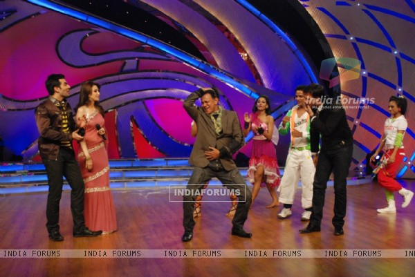 Mithun Da dancing on Julie Julie
