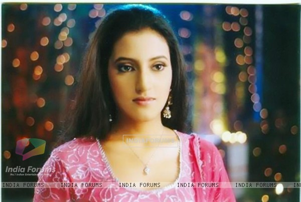 Additi Gupta as Heer