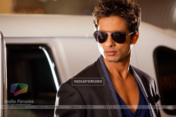 Shahid Kapoor in the movie Badmaash Company