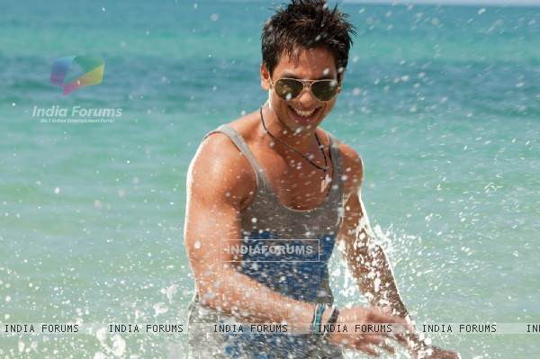 Shahid Kapoor looking hot