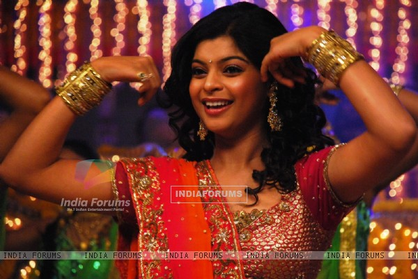 Jyoti dancing in Godh Bharai function
