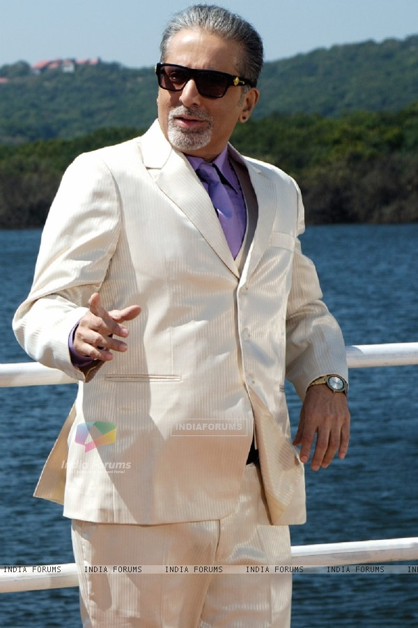 Aditya Raj Kapoor in the movie Chase (60915)