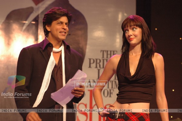 Shah Rukh Khan at the Filmfare awards function