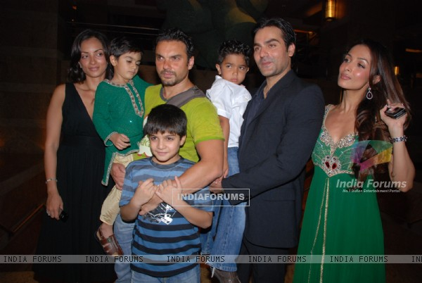 Sohail Khan, Arbaaz Khan and Malaika at PLANutsav auction and fashion show in Mumbai