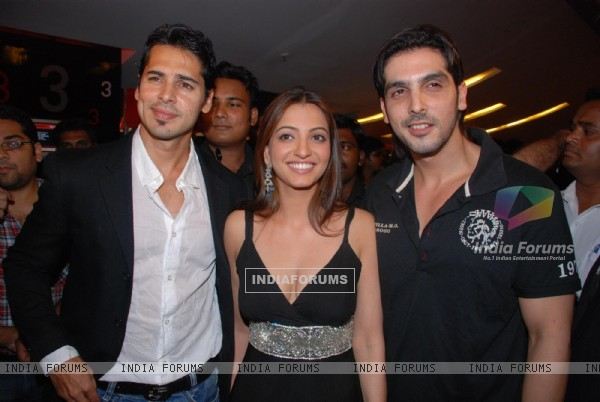 Zayed Khan, Dino Morea and Anjoree Alag were present at the premiere of the movie Life Mein Kabhie Kabhie at cinemax