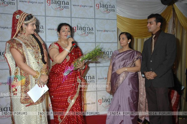 Apara Mehta at glagnacom utsav launch at parle