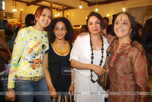 Ila Arun,Neena Gupta and Ishita at Satva preview, in Mumbai