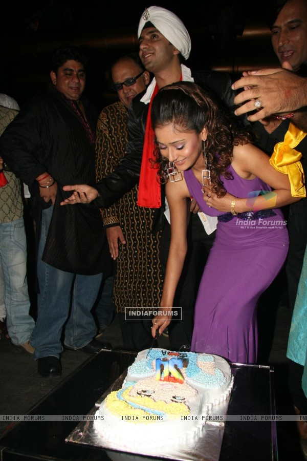 "TV Actress Sara Khan''s ""Birthday Bash"" at Club Escape"